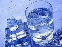 Những lợi ích từ nước đá tinh khiết
