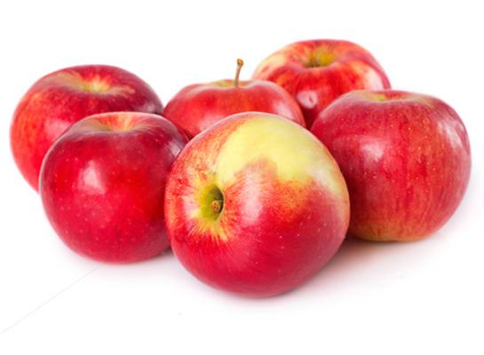 Công dụng của trái táo đỏ làm đẹp da