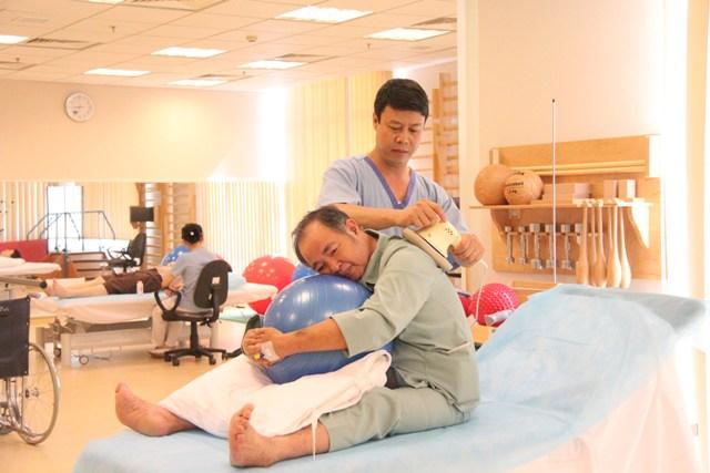 Các bước chăm sóc người bị tai biến đột quỵ
