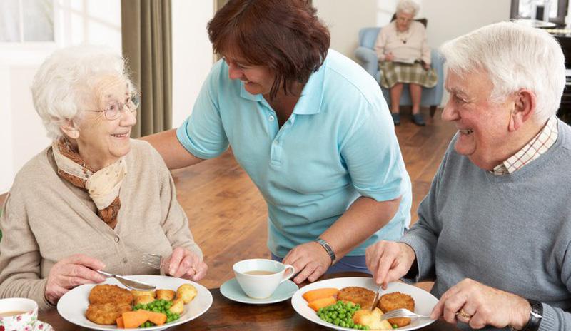 Nhu cần dinh dưỡng cho người lớn tuổi