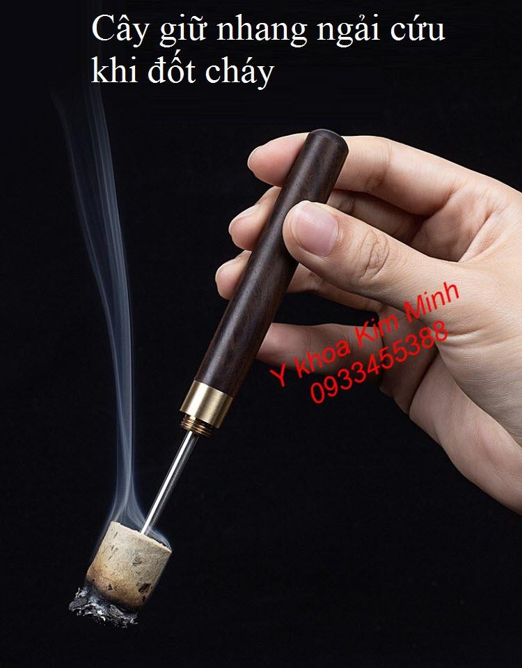 Cây que xiên giữ nhang ngải cứu, dụng cụ giữ nhang ngải cứu khi đốt - Y Khoa Kim Minh