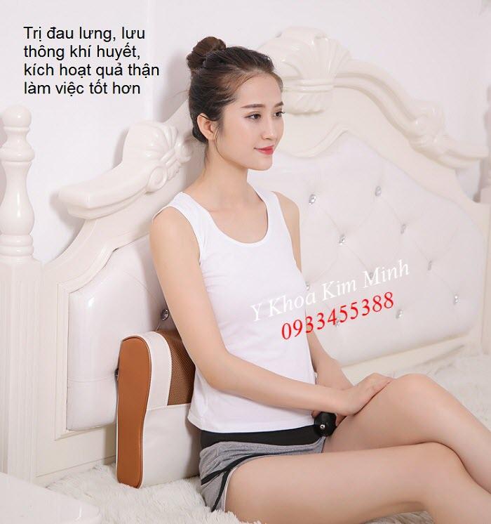 Dùng gối massage trị đau lưng, giảm đau cột sống - Y khoa Kim Minh