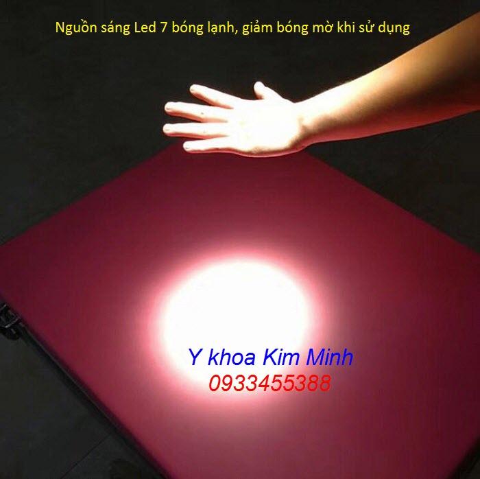 Nguồn ánh sáng Led lạnh không bóng mờ của đèn tiểu phẫu 7 bóng Led LCL-07 - Y khoa Kim Minh