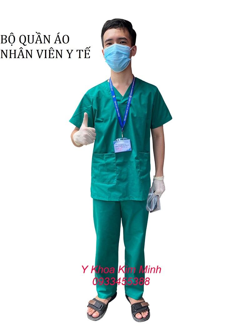 Bộ quần áo Scrubs dùng cho kỹ thuật viên điều hành hoạt động máy y tế