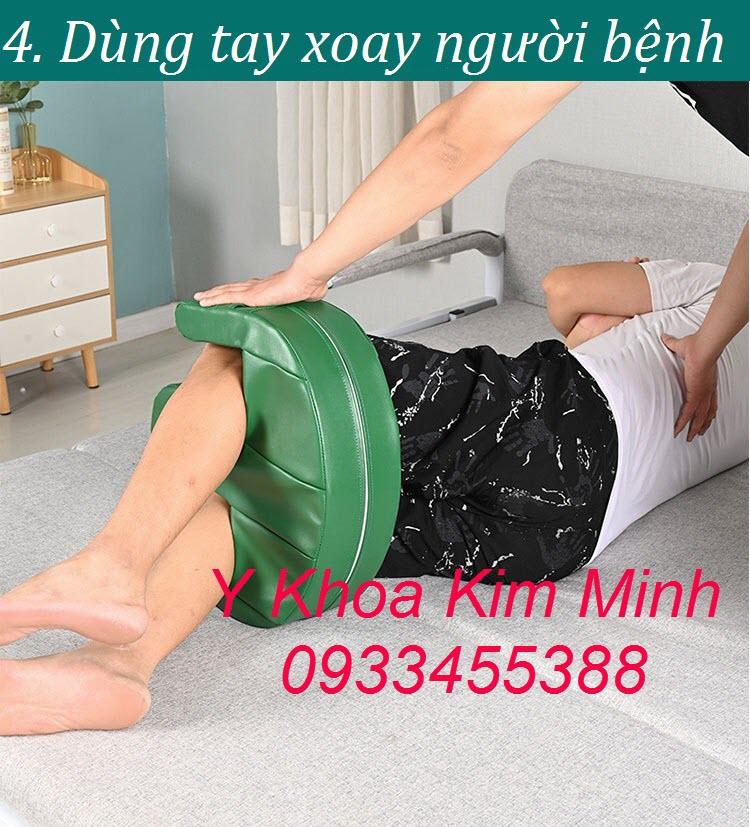Thiết bị y tế lật nghiêng người bệnh để thay tả tắm rửa, chăm sóc người bệnh tại nhà